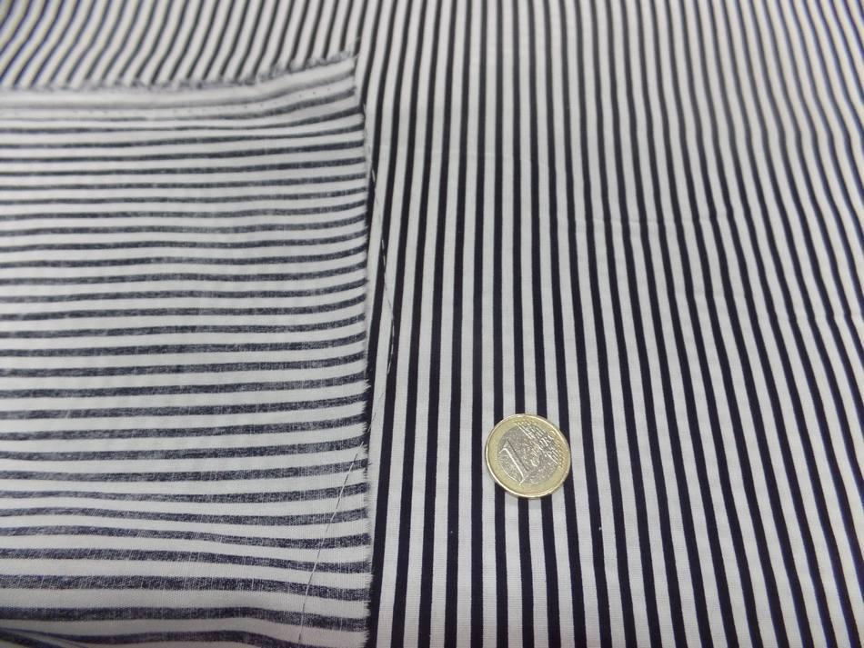 vente de popeline coton 100% blanche imprimé fine rayure noire pas cher
