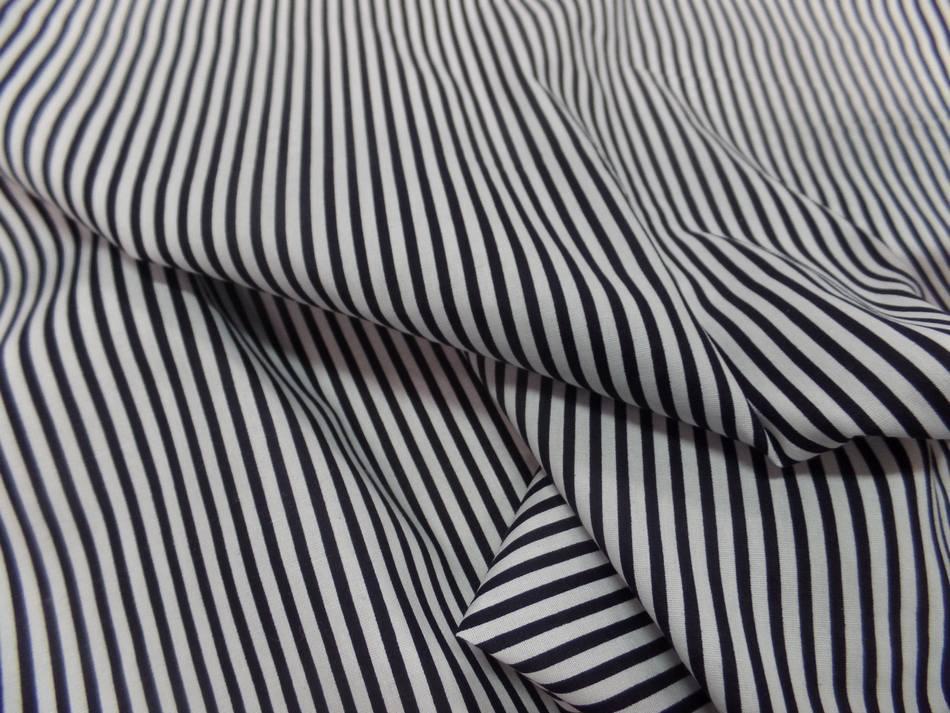 vente de popeline coton 100% blanche imprimé fine rayure noire en ligne