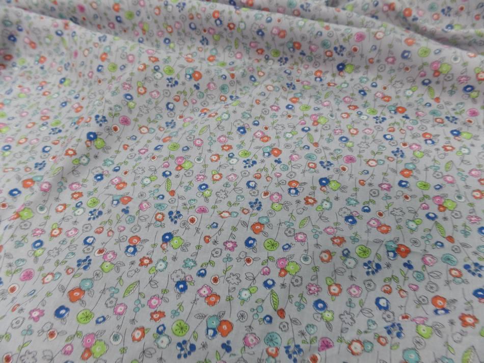 Popeline coton 100 imprime fleurs bleu orange vert et rose8