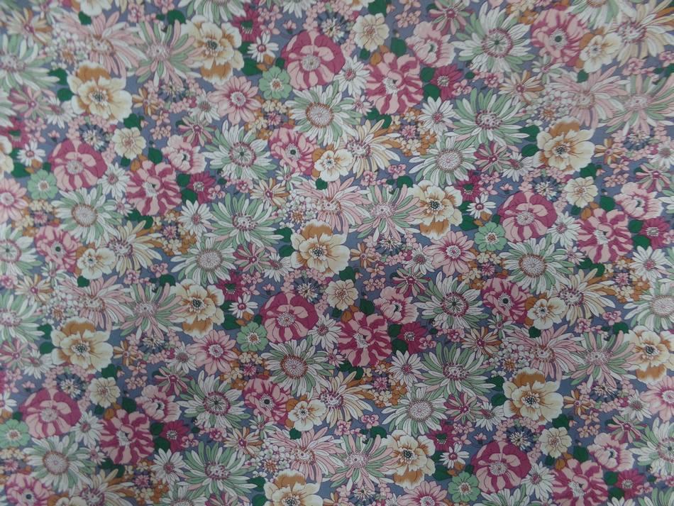 Popeline coton 100 imprime fleurs ton rose pastel