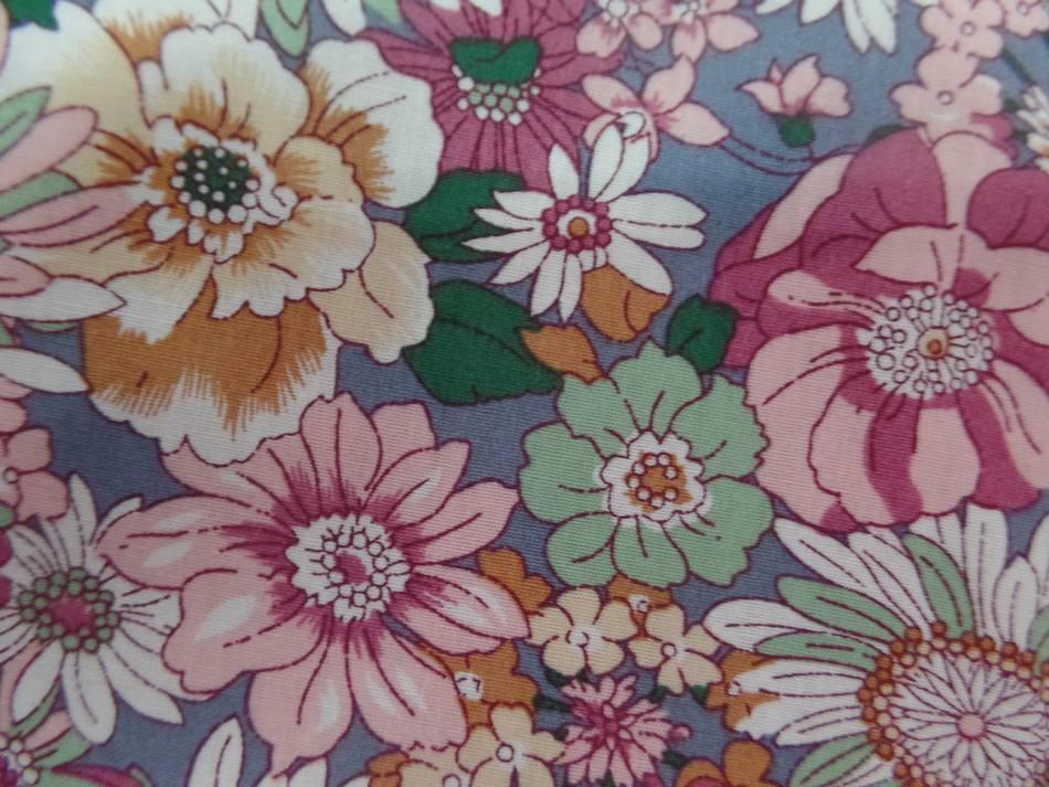 Popeline coton 100 imprime fleurs ton rose pastel3 1