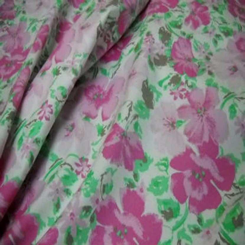 Popeline coton blanche imprime fleurs rose blanche6