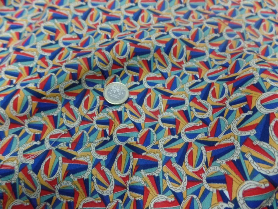 Popeline coton imprime fer a cheval multi couleurs
