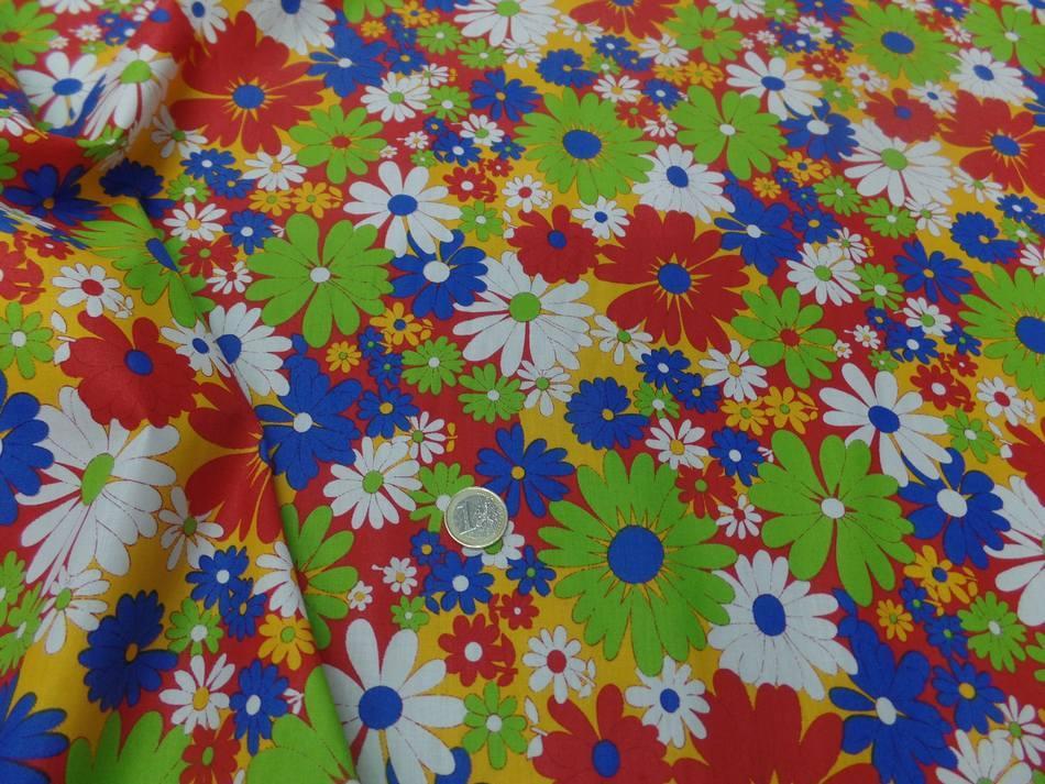 Popeline coton imprime fleurs ton rouge vert blanc bleu05
