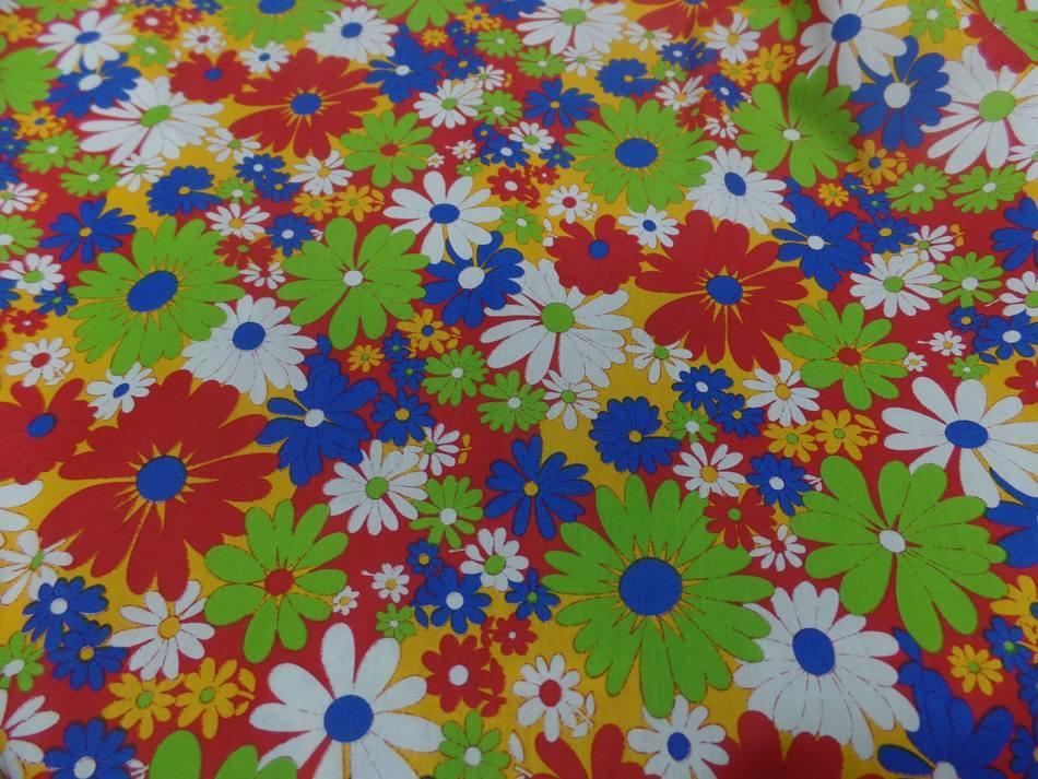 Popeline coton imprime fleurs ton rouge vert blanc bleu4