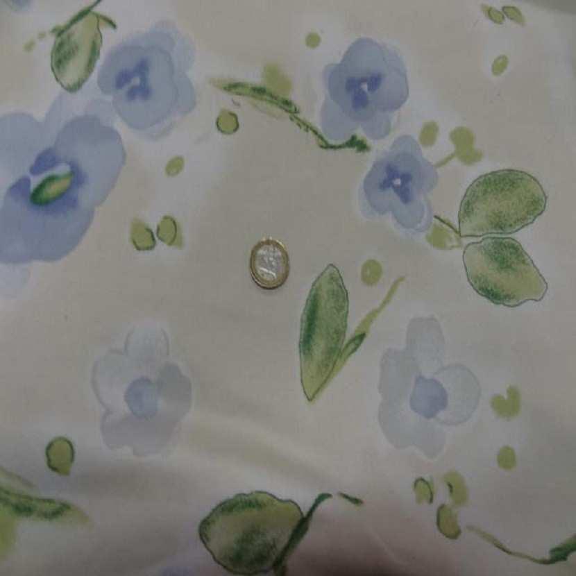 Popeline coton lycra beige imprime fleurs bleu9