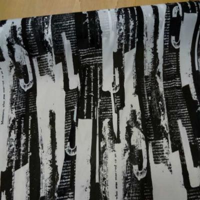 Resille blanche imprime noir
