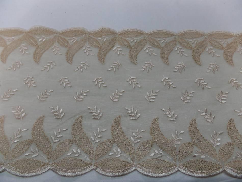 résille façonné dentelle ton beige chair brodé en 25cm