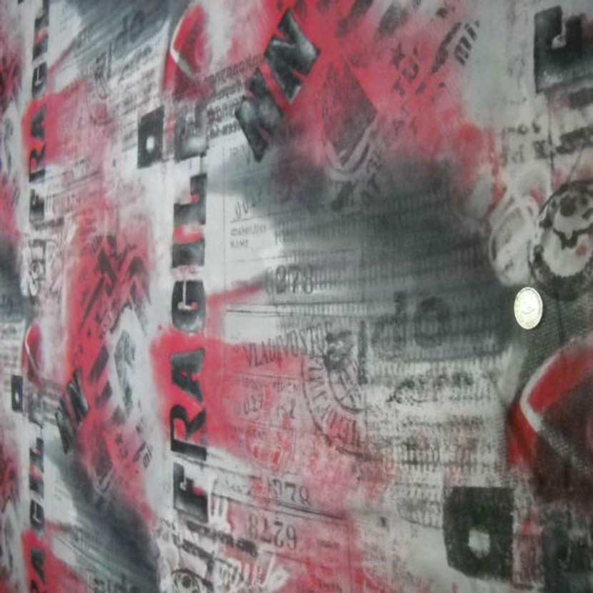 Resille grise imprime gris fonce rouge fragile8