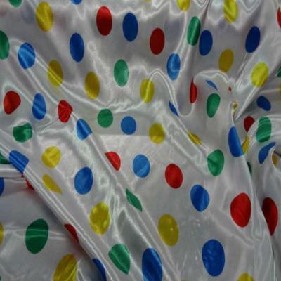 Satin blanc a pois vert bleu jaune rouge