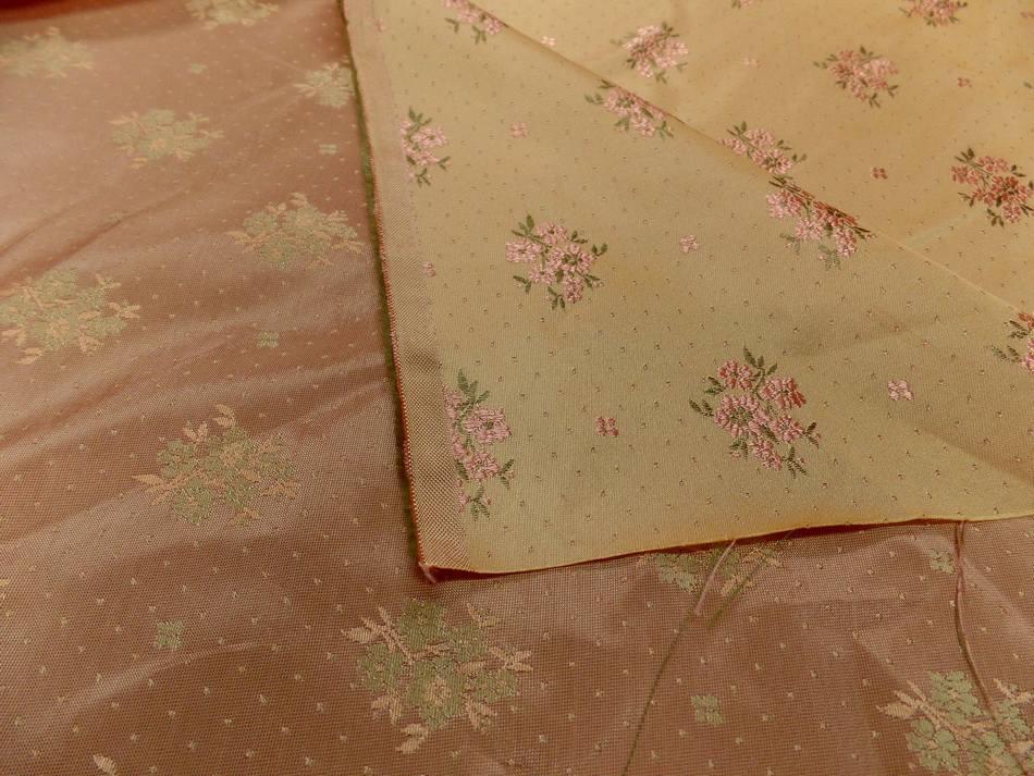 achat tissu satin d'ameublement doré brodé fleurs ton cuivre