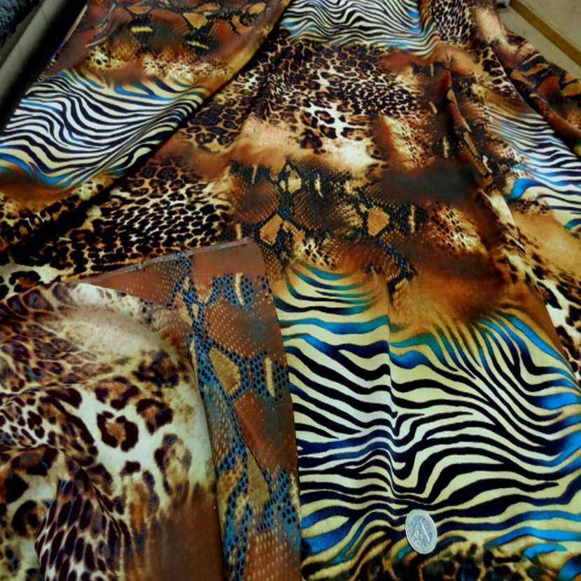 Satin de soie imprime fauve turquoise1
