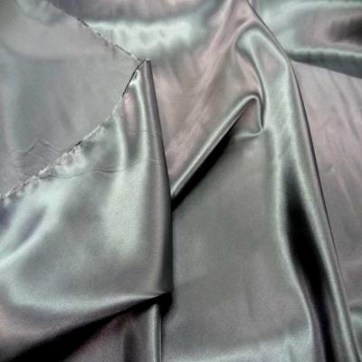 Satin gris metal en polyester