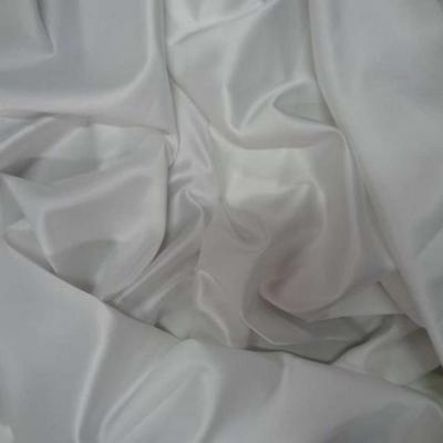 Satin lycra blanc en 1 45m de large
