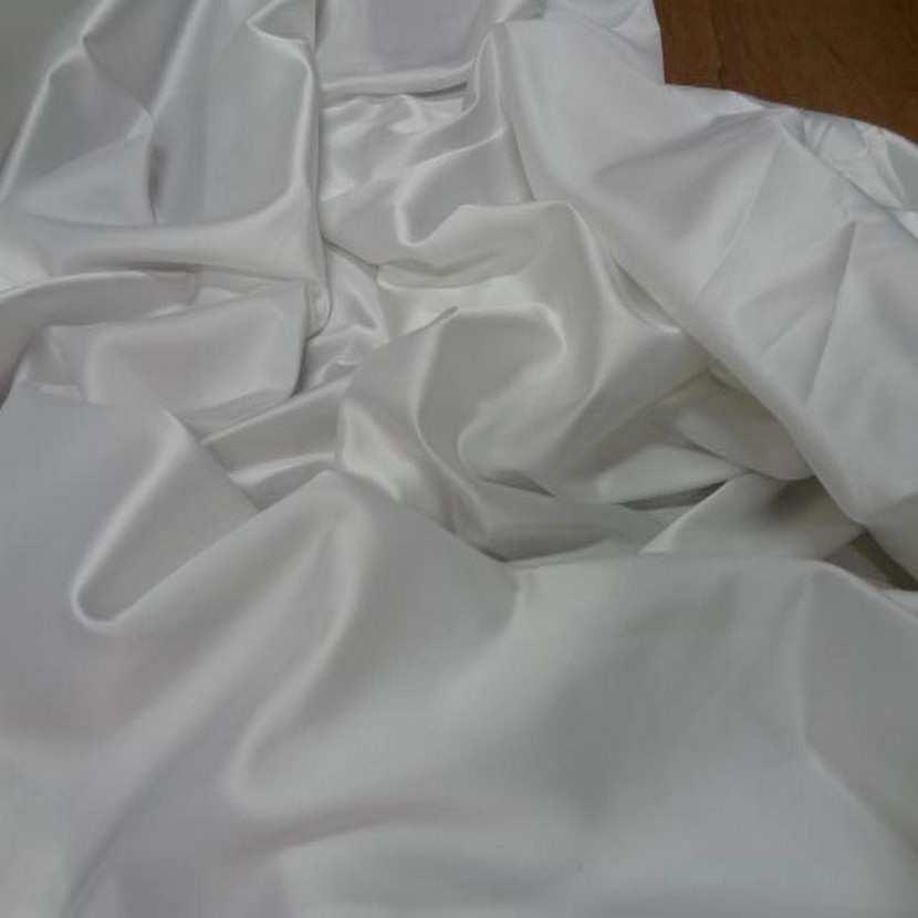 Satin lycra blanc en 1 45m de large5
