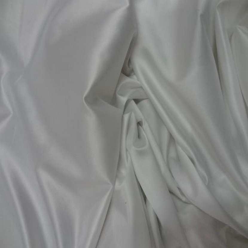 Satin lycra blanc en 1 45m de large6