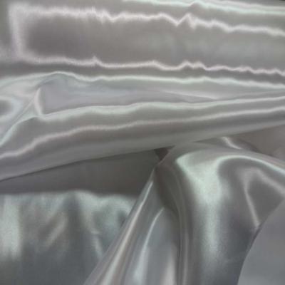 Satin polyester blanc