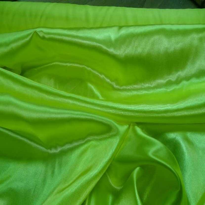 Satin polyester vert anis en 1 50m de large7