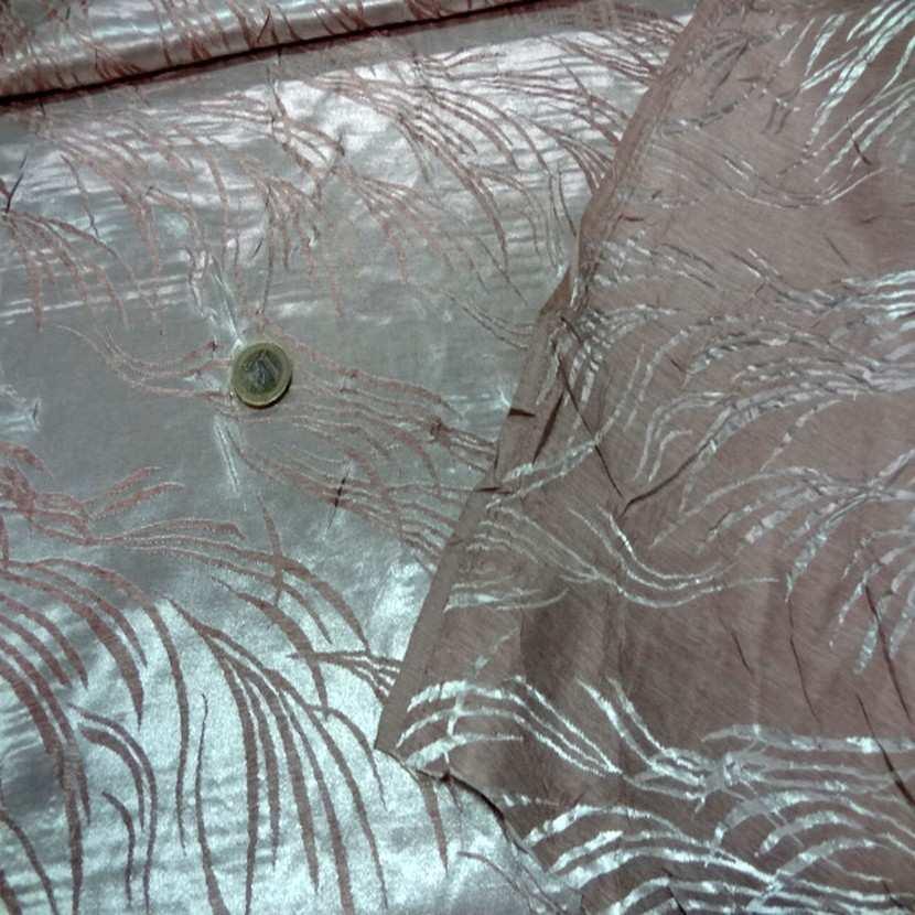 Satin viscose aspect devore vieux rose blanc metallise7