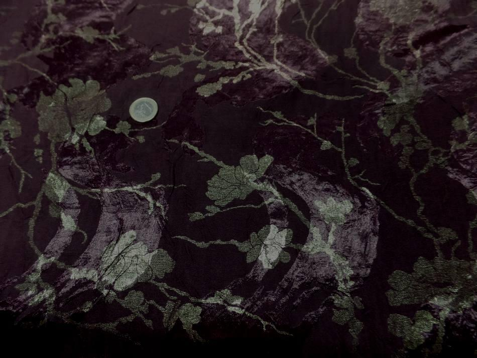 vente de tissu satin viscose double face aubergine froissé permanent imprimé fleurs doré a Marseille