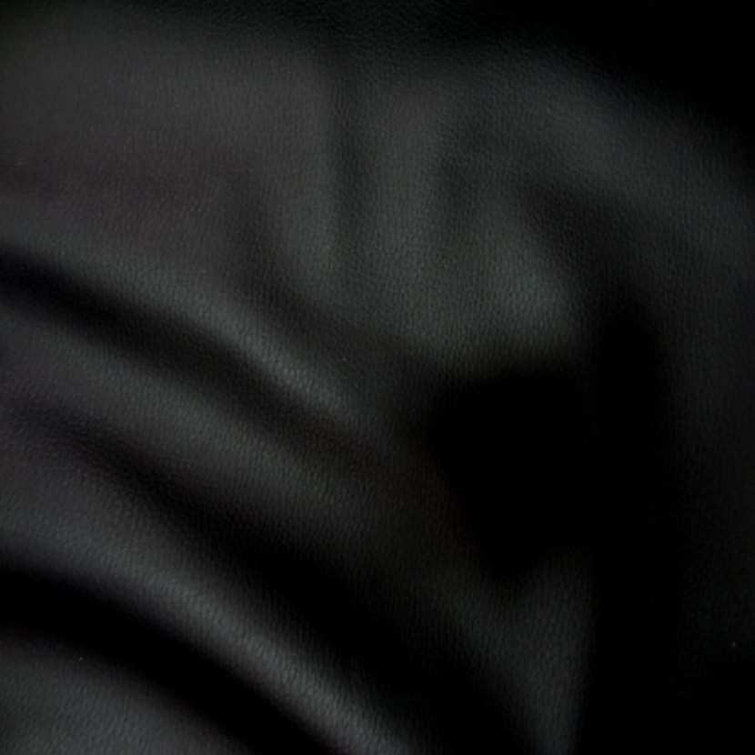 Simili cuir noir en 1 40m l1