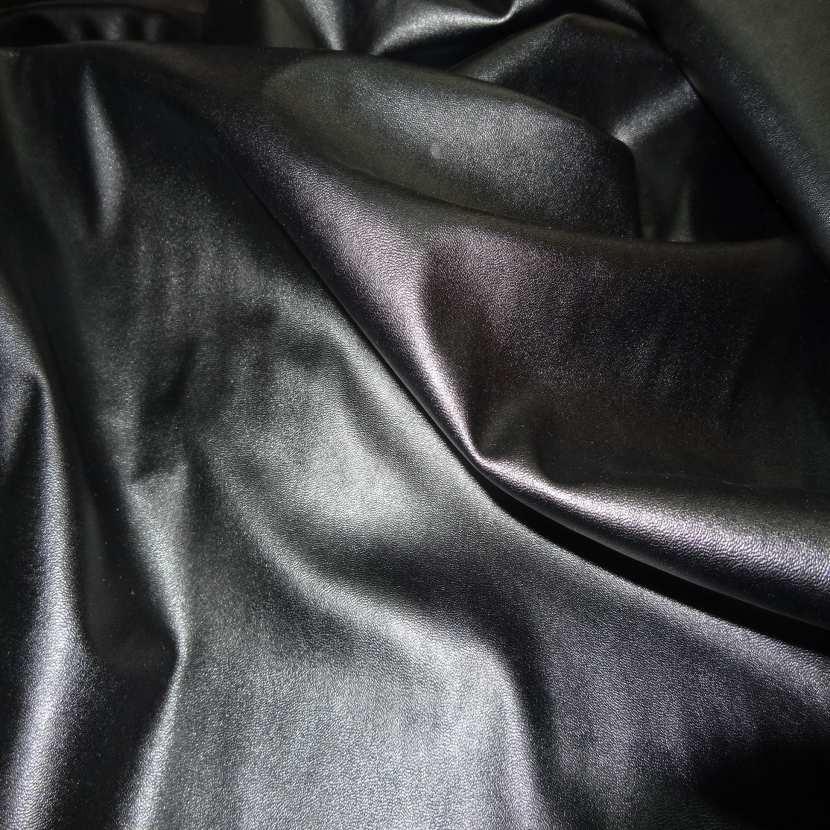 Simili cuir noir souple lycra extensible dans la largeur1