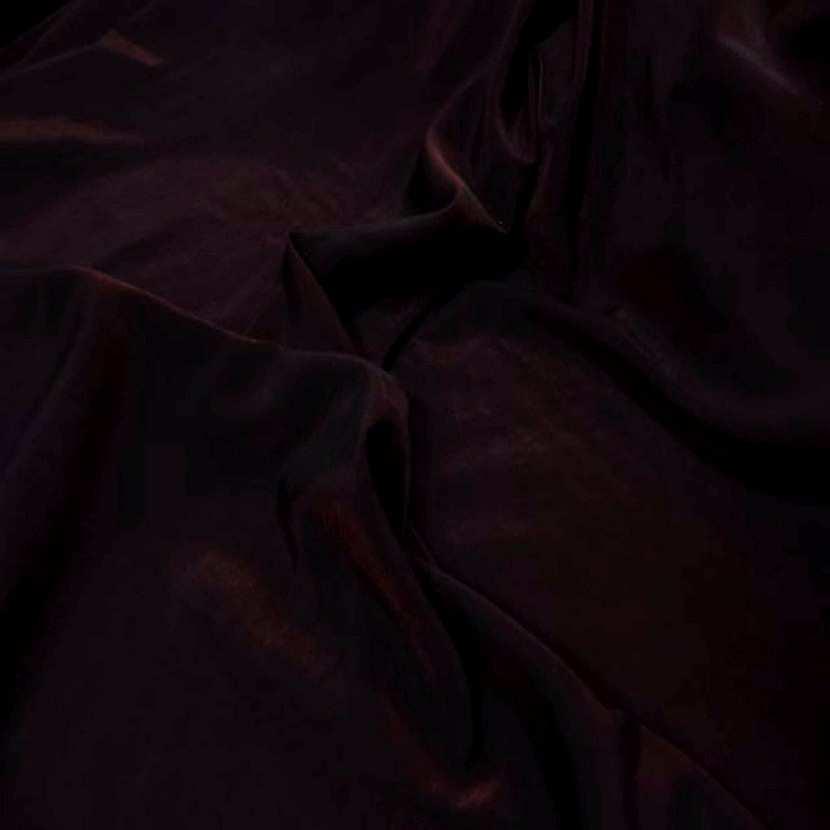 Style taffetas apparence organza ton rouge reflets noir1