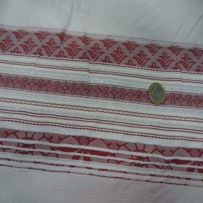 Taffetas blanc mat brode a motifs bandes rouge bordeaux