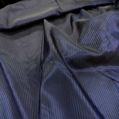 Taffetas bleu nuit faconne bande surbrode