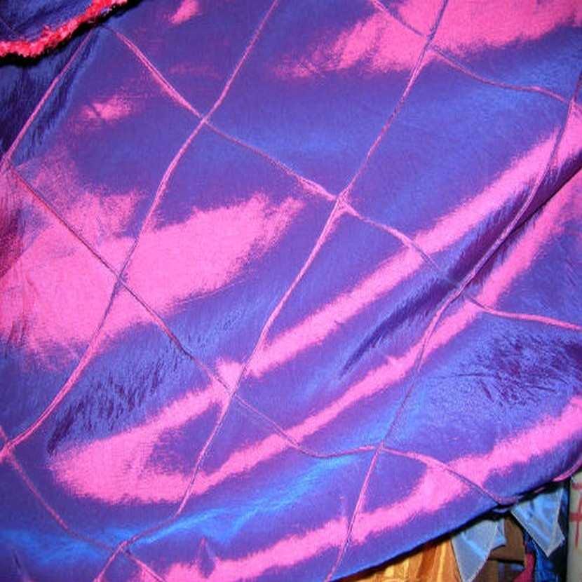 Taffetas bleu rouge faconne carreaux