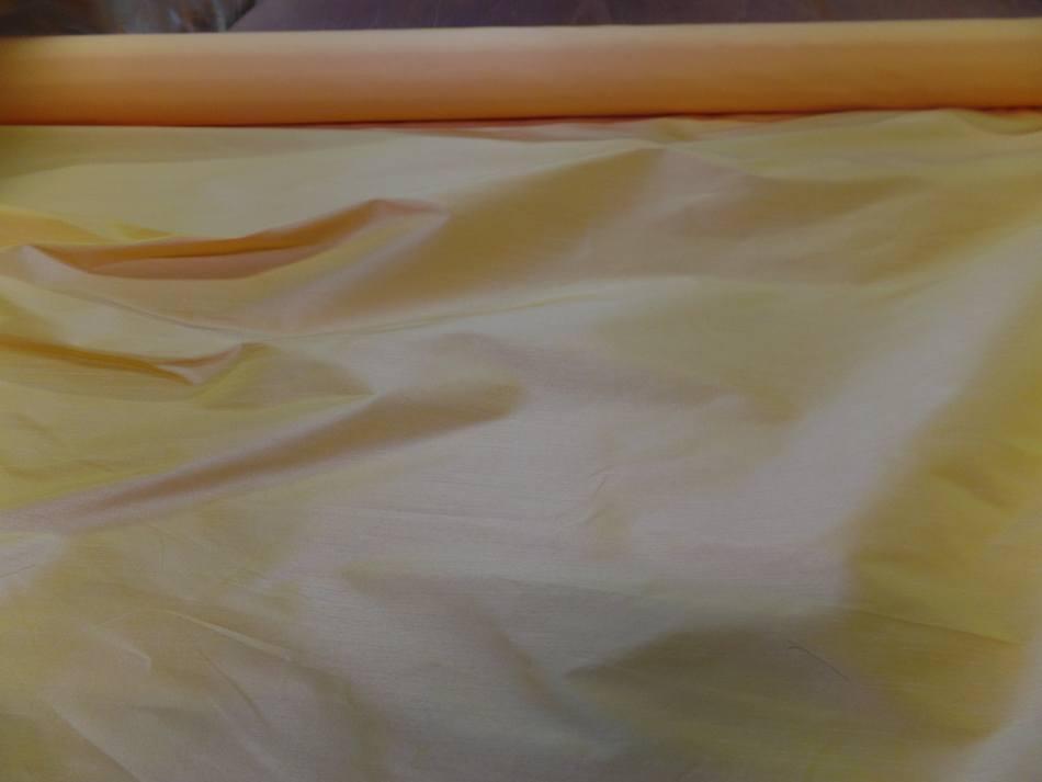 Taffetas changeant jaune a reflets rose