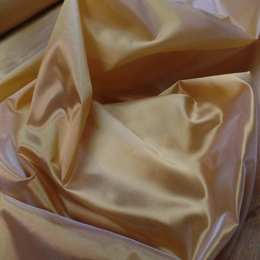 Taffetas changeant jaune dore a reflets