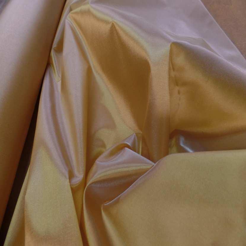 Taffetas changeant jaune dore a reflets3