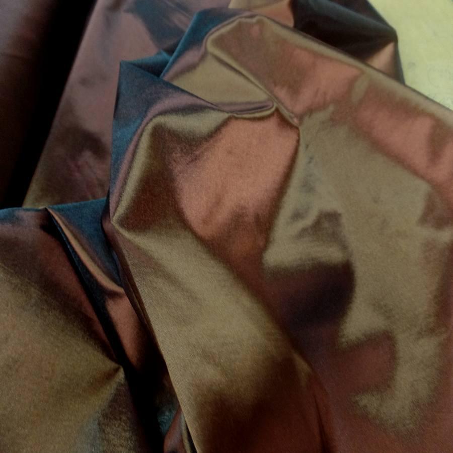Taffetas changeant marron a reflets