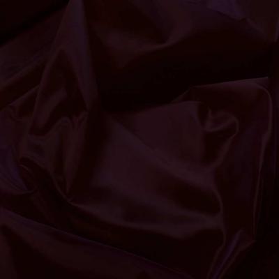 Taffetas changeant rouge bordeaux a reflets noir