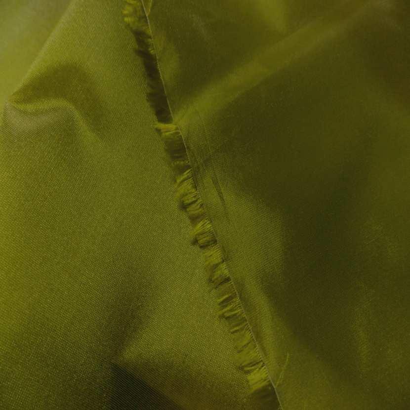 Taffetas changeant vert olive a reflets jaune4