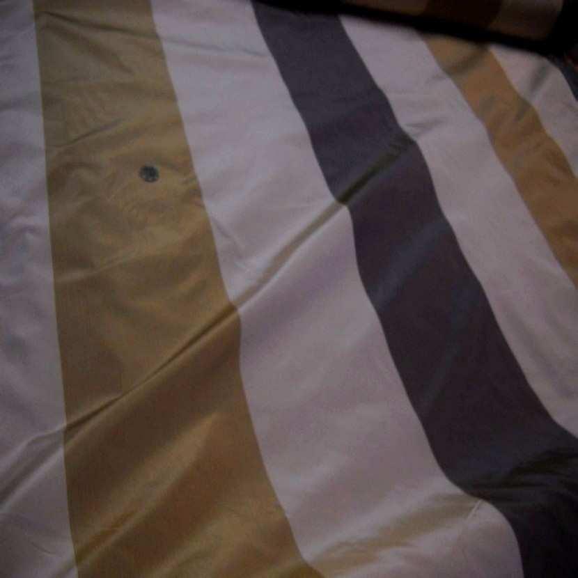 Taffetas d ameublement a rayures gris beige dore a reflets orange8