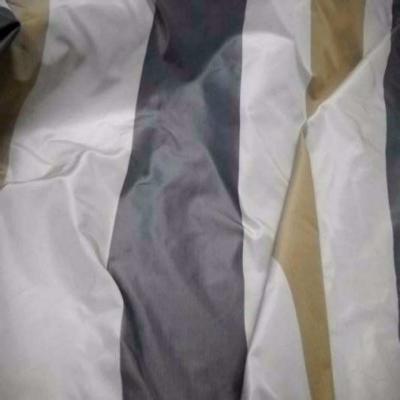 Taffetas d ameublement a rayures gris beige dore