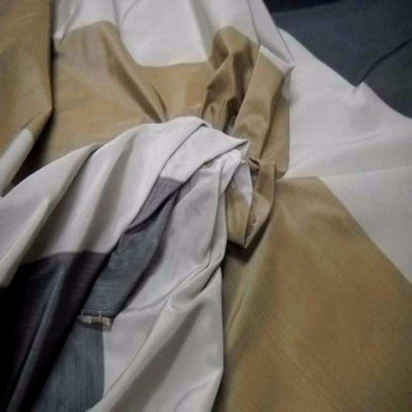 Taffetas d ameublement a rayures gris beige dore2
