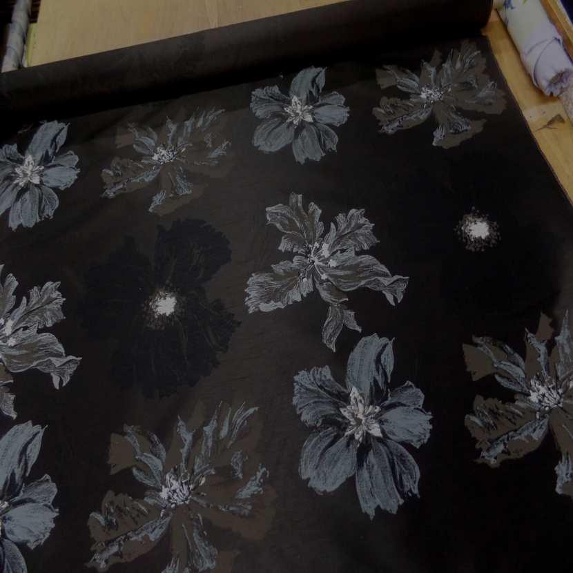 Taffetas d ameublement changeant marron noir imprime grosses fleurs taupe gris6