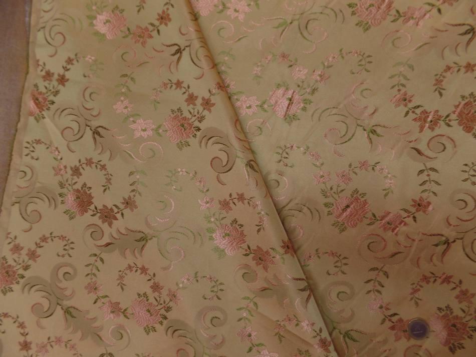 Taffetas d ameublement dore brode fleurs
