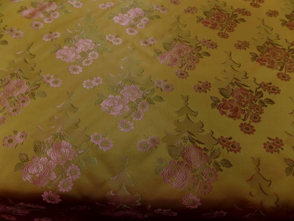 tissu taffetas d'ameublement jaune doré brodé fleurs ton cuivre et kaki clair en ligne