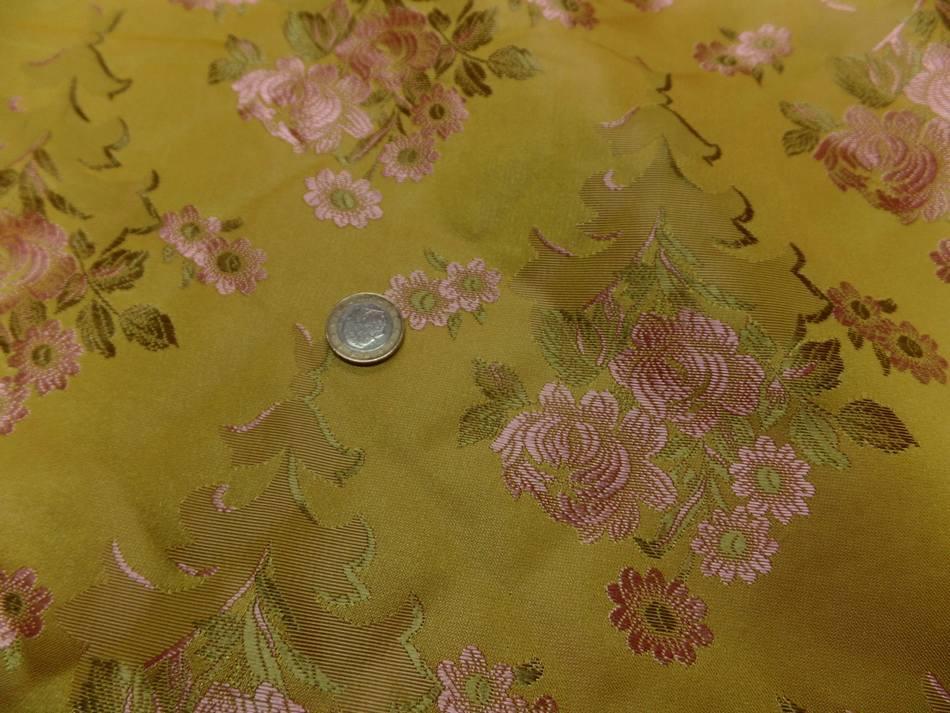 vente de tissu taffetas d'ameublement jaune doré brodé fleurs ton cuivre et kaki clair en ligne