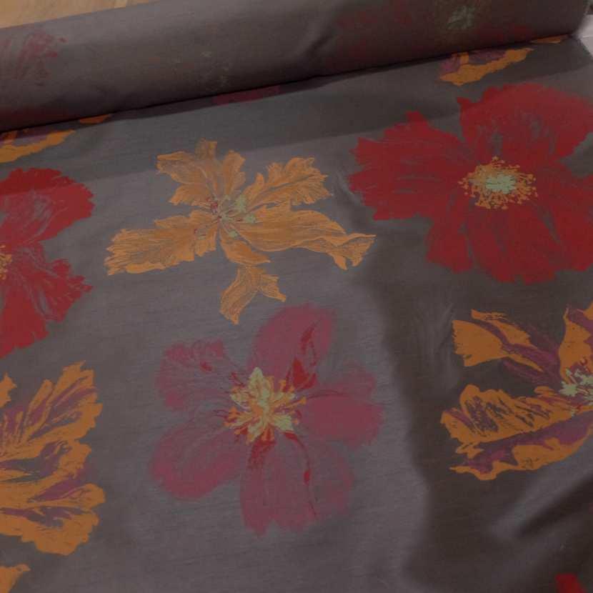 Taffetas d ameublement marron imprime grosses fleurs rouge et jaune safran0