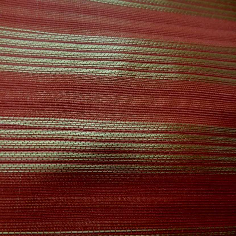 Taffetas de soie 100 a rayures faconne rouge vermillon dore08