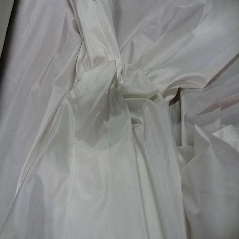 Taffetas de soie 100 blanc casse0