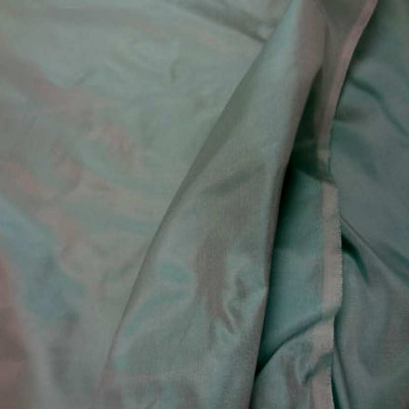 Taffetas de soie 100 turquoise reflets blanc8