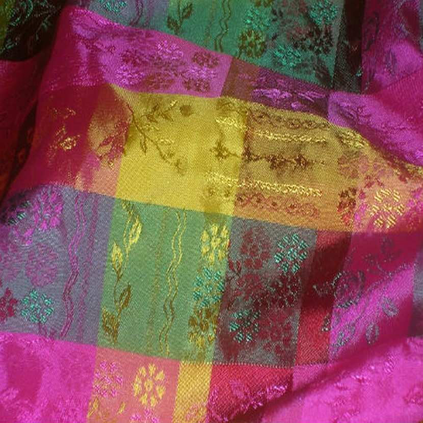 Taffetas faconne carreaux rose jaune vert3