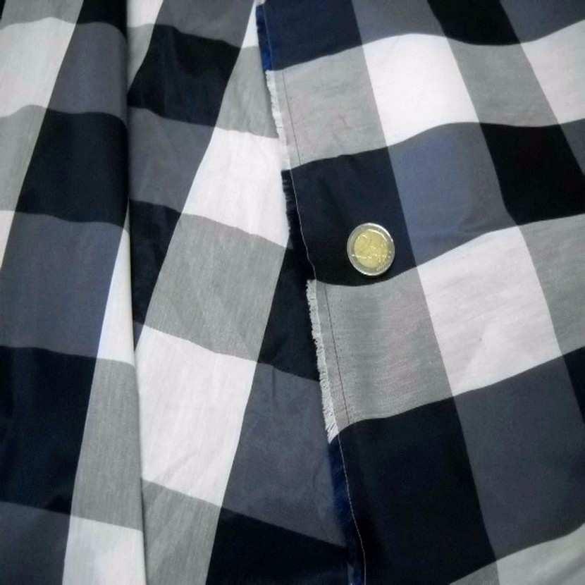 Taffetas faconne carreaux ton bleu gris blanc4