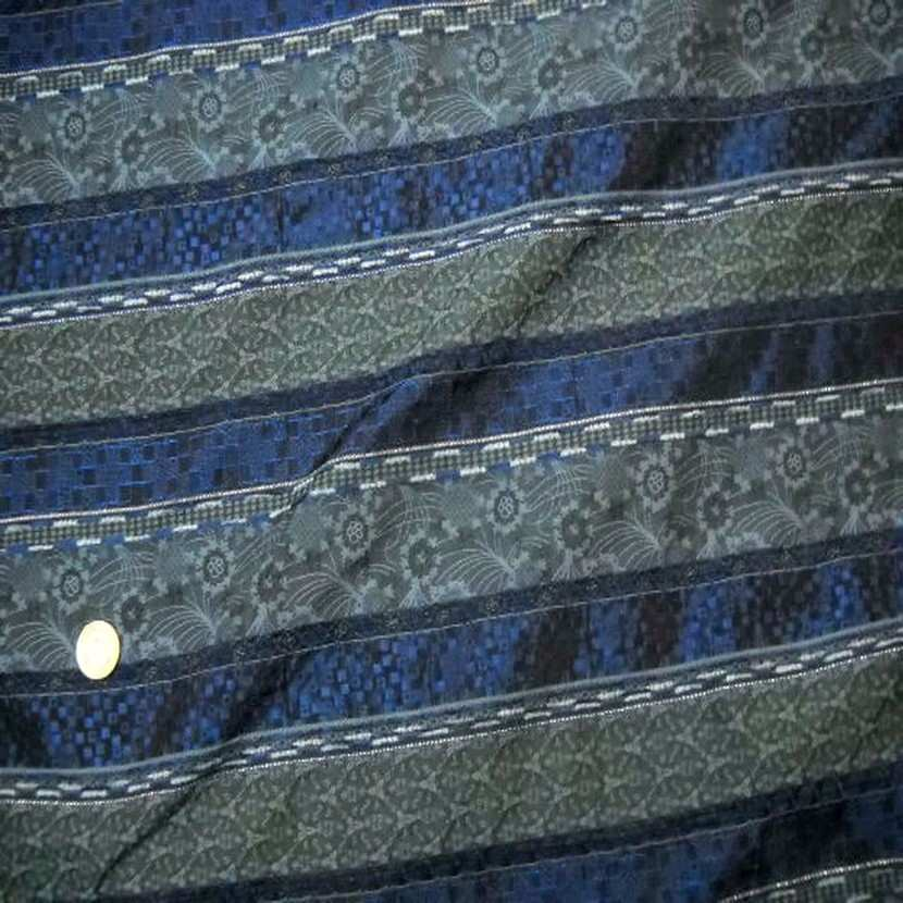 Taffetas faconne rayures brode ton bleu gris6